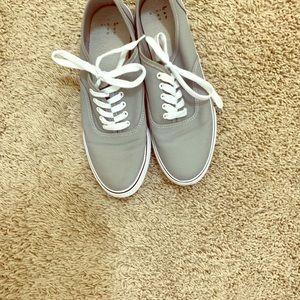 Women's 9 shoes